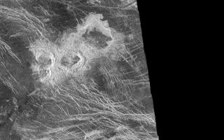"<h1>PIA00088:  Venus - Stein Triplet Crater</h1><div class=""PIA00088"" lang=""en"" style=""width:800px;text-align:left;margin:auto;background-color:#000;padding:10px;max-height:150px;overflow:auto;""><p>The Magellan synthetic aperture radar (SAR) imaged this unique 'triplet crater,' or 'crater field' during orbits 418-421 on 21 September 1990. These craters are 14 kilometers, 11 kilometers, and 9 kilometers in diameter, respectively, and are centered at latitude -30.1 degrees south and longitude 345.5 degrees east. The Magellan Science Team has proposed the name Stein for this crater field after the American author, Gertrude Stein. This name has not yet been approved by the International Astronomical Union. The crater field was formed on highly fractured plains. The impacts generated a considerable amount of low viscosity 'flows' thought to consist largely of shock-melted target material along with fragmented debris from the crater. The three craters appear to have relatively steep walls based on the distortion in the image of the near and far walls of the craters in the Magellan radar look direction (from the left). The flow deposits from the three craters extend dominantly to the northeast (upper right).<br /><br /><a href=""http://photojournal.jpl.nasa.gov/catalog/PIA00088"" onclick=""window.open(this.href); return false;"" title=""Voir l'image 	 PIA00088:  Venus - Stein Triplet Crater	  sur le site de la NASA"">Voir l'image 	 PIA00088:  Venus - Stein Triplet Crater	  sur le site de la NASA.</a></div>"