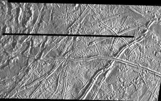 "<h1>PIA00542:  Prominent Doublet Ridges on Europa</h1><div class=""PIA00542"" lang=""en"" style=""width:725px;text-align:left;margin:auto;background-color:#000;padding:10px;max-height:150px;overflow:auto;"">This image of Jupiter's satellite Europa was obtained from a range of 7364 miles (11851 km) by the Galileo spacecraft during its fourth orbit around Jupiter and its first close pass of Europa. The image spans 30 miles by 57 miles (48 km x 91 km) and shows features as small as 800 feet (240 meters) across, a resolution more than 150 times better than the best Voyager coverage of this area. The sun illuminates the scene from the right. The large circular feature in the upper left of the image could be the scar of a large meteorite impact. Clusters of small craters seen in the right of the image may mark sites where debris thrown from this impact fell back to the surface. Prominent doublet ridges over a mile (1.6 km) wide cross the plains in the right part of the image; younger ridges overlap older ones, allowing the sequence of formation to be determined. Gaps in ridges indicate areas where emplacement of new surface material has obliterated pre-existing terrain.<p>The Jet Propulsion Laboratory, Pasadena, CA manages the mission for NASA's Office of Space Science, Washington, DC.<p>This image and other images and data received from Galileo are posted on the Galileo mission home page on the World Wide Web at http://galileo.jpl.nasa.gov. Background information and educational context for the images can be found at <a href=""http://www2.jpl.nasa.gov/galileo/sepo/"" target=""_blank"">http://www.jpl.nasa.gov/galileo/sepo</a>..<br /><br /><a href=""http://photojournal.jpl.nasa.gov/catalog/PIA00542"" onclick=""window.open(this.href); return false;"" title=""Voir l'image 	 PIA00542:  Prominent Doublet Ridges on Europa	  sur le site de la NASA"">Voir l'image 	 PIA00542:  Prominent Doublet Ridges on Europa	  sur le site de la NASA.</a></div>"