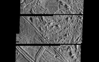 "<h1>PIA00543:  Structurally Complex Surface of Europa</h1><div class=""PIA00543"" lang=""en"" style=""width:621px;text-align:left;margin:auto;background-color:#000;padding:10px;max-height:150px;overflow:auto;"">This is a composite of two images of Jupiter's icy moon Europa obtained from a range of 2119 miles (3410 kilometers) by the Galileo spacecraft during its fourth orbit around Jupiter and its first close pass of Europa. The mosaic spans 11 miles by 30 miles (17 km by 49 km) and shows features as small as 230 feet (70 meters) across. This mosaic is the first very high resolution image data obtained of Europa, and has a resolution more than 50 times better than the best Voyager coverage and 500 times better than Voyager coverage in this area. The mosaic shows the surface of Europa to be structurally complex. The sun illuminates the scene from the right, revealing complex overlapping ridges and fractures in the upper and lower portions of the mosaic, and rugged, more chaotic terrain in the center. Lateral faulting is revealed where ridges show offsets along their lengths (upper left of the picture). Missing ridge segments indicate obliteration of pre-existing materials and emplacement of new terrain (center of the mosaic). Only a small number of impact craters can be seen, indicating the surface is not geologically ancient.<p>The Jet Propulsion Laboratory, Pasadena, CA manages the mission for NASA's Office of Space Science, Washington, DC.<p>This image and other images and data received from Galileo are posted on the Galileo mission home page on the World Wide Web at http://galileo.jpl.nasa.gov. Background information and educational context for the images can be found at <a href=""http://www2.jpl.nasa.gov/galileo/sepo/"" target=""_blank"">http://www.jpl.nasa.gov/galileo/sepo</a>..<br /><br /><a href=""http://photojournal.jpl.nasa.gov/catalog/PIA00543"" onclick=""window.open(this.href); return false;"" title=""Voir l'image 	 PIA00543:  Structurally Complex Surface of Europa	  sur le site de la NASA"">Voir l'image 	 PIA00543:  Structurally Complex Surface of Europa	  sur le site de la NASA.</a></div>"