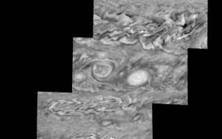 "<h1>PIA01227:  Jupiter's Southern Hemisphere in the Near-Infrared (Time Set 1)</h1><div class=""PIA01227"" lang=""en"" style=""width:800px;text-align:left;margin:auto;background-color:#000;padding:10px;max-height:150px;overflow:auto;"">Mosaic of Jupiter's southern hemisphere between -10 and -80 degrees (south) latitude. In time sequence one, the planetary limb is visible in near the bottom right part of the mosaic.<p>Jupiter's atmospheric circulation is dominated by alternating eastward and westward jets from equatorial to polar latitudes. The direction and speed of these jets in part determine the brightness and texture of the clouds seen in this mosaic. Also visible are several other common Jovian cloud features, including two large vortices, bright spots, dark spots, interacting vortices, and turbulent chaotic systems. The north-south dimension of each of the two vortices in the center of the mosaic is about 3500 kilometers. The right oval is rotating counterclockwise, like other anticyclonic bright vortices in Jupiter's atmosphere. The left vortex is a cyclonic (clockwise) vortex. The differences between them (their brightness, their symmetry, and their behavior) are clues to how Jupiter's atmosphere works. The cloud features visible at 756 nanometers (near-infrared light) are at an atmospheric pressure level of about 1 bar.<p>North is at the top. The images are projected onto a sphere, with features being foreshortened towards the south and east. The smallest resolved features are tens of kilometers in size. These images were taken on May 7, 1997, at a range of 1.5 million kilometers by the Solid State Imaging system on NASA's Galileo spacecraft.<p>The Jet Propulsion Laboratory, Pasadena, CA manages the mission for NASA's Office of Space Science, Washington, DC.<p>This image and other images and data received from Galileo are posted on the World Wide Web, on the Galileo mission home page at URL http://galileo.jpl.nasa.gov. Background information and educational context for the images can be found at <a href=""http://www2.jpl.nasa.gov/galileo/sepo/"" target=""_blank"">http://www.jpl.nasa.gov/galileo/sepo</a>..<br /><br /><a href=""http://photojournal.jpl.nasa.gov/catalog/PIA01227"" onclick=""window.open(this.href); return false;"" title=""Voir l'image 	 PIA01227:  Jupiter's Southern Hemisphere in the Near-Infrared (Time Set 1)	  sur le site de la NASA"">Voir l'image 	 PIA01227:  Jupiter's Southern Hemisphere in the Near-Infrared (Time Set 1)	  sur le site de la NASA.</a></div>"