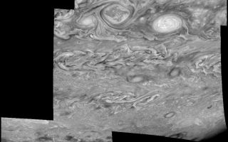 "<h1>PIA01229:  Jupiter's Southern Hemisphere in the Near-Infrared (Time Set 3)</h1><div class=""PIA01229"" lang=""en"" style=""width:800px;text-align:left;margin:auto;background-color:#000;padding:10px;max-height:150px;overflow:auto;"">Mosaic of Jupiter's southern hemisphere between -25 and -80 degrees (south) latitude. In time sequence three, taken 10 hours after sequence one, the limb is visible near the bottom right part of the mosaic.<p>Jupiter's atmospheric circulation is dominated by alternating eastward and westward jets from equatorial to polar latitudes. The direction and speed of these jets in part determine the brightness and texture of the clouds seen in this mosaic. Also visible are several other common Jovian cloud features, including two large vortices, bright spots, dark spots, interacting vortices, and turbulent chaotic systems. The north-south dimension of each of the two vortices in the center of the mosaic is about 3500 kilometers. The right oval is rotating counterclockwise, like other anticyclonic bright vortices in Jupiter's atmosphere. The left vortex is a cyclonic (clockwise) vortex. The differences between them (their brightness, their symmetry, and their behavior) are clues to how Jupiter's atmosphere works. The cloud features visible at 756 nanometers (near-infrared light) are at an atmospheric pressure level of about 1 bar.<p>North is at the top. The images are projected onto a sphere, with features being foreshortened towards the south and east. The smallest resolved features are tens of kilometers in size. These images were taken on May 7, 1997, at a range of 1.5 million kilometers by the Solid State Imaging system on NASA's Galileo spacecraft.<p>The Jet Propulsion Laboratory, Pasadena, CA manages the mission for NASA's Office of Space Science, Washington, DC.<p>This image and other images and data received from Galileo are posted on the World Wide Web, on the Galileo mission home page at URL http://galileo.jpl.nasa.gov. Background information and educational context for the images can be found at <a href=""http://www2.jpl.nasa.gov/galileo/sepo/"" target=""_blank"">http://www.jpl.nasa.gov/galileo/sepo</a>..<br /><br /><a href=""http://photojournal.jpl.nasa.gov/catalog/PIA01229"" onclick=""window.open(this.href); return false;"" title=""Voir l'image 	 PIA01229:  Jupiter's Southern Hemisphere in the Near-Infrared (Time Set 3)	  sur le site de la NASA"">Voir l'image 	 PIA01229:  Jupiter's Southern Hemisphere in the Near-Infrared (Time Set 3)	  sur le site de la NASA.</a></div>"