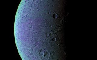 "<h1>PIA07691:  Dione Has Her Faults (False Color)</h1><div class=""PIA07691"" lang=""en"" style=""width:797px;text-align:left;margin:auto;background-color:#000;padding:10px;max-height:150px;overflow:auto;""><p>This view highlights tectonic faults and craters on Dione, an icy world that has undoubtedly experienced geologic activity since its formation.</p><p>To create the enhanced-color view, ultraviolet, green and infrared images were combined into a single black and white picture that isolates and maps regional color differences. This ""color map"" was then superposed over a clear-filter image. The origin of the color differences is not yet understood, but may be caused by subtle differences in the surface composition or the sizes of grains making up the icy soil.</p><p>This view looks toward the leading hemisphere on Dione (1,126 kilometers, or 700 miles across). North is up and rotated 20 degrees to the right.</p><p>See <a href=""/catalog/PIA07690"">PIA07690</a> for a similar monochrome view.</p><p>All images were acquired with the Cassini spacecraft narrow-angle camera on Dec. 24, 2005 at a distance of approximately 151,000 kilometers (94,000 miles) from Dione and at a Sun-Dione-spacecraft, or phase, angle of 99 degrees. Image scale is 896 meters (2,940 feet) per pixel.</p><p>The Cassini-Huygens mission is a cooperative project of NASA, the European Space Agency and the Italian Space Agency. The Jet Propulsion Laboratory, a division of the California Institute of Technology in Pasadena, manages the mission for NASA's Science Mission Directorate, Washington, D.C. The Cassini orbiter and its two onboard cameras were designed, developed and assembled at JPL. The imaging operations center is based at the Space Science Institute in Boulder, Colo.</p><p>For more information about the Cassini-Huygens mission visit <a href=""http://saturn.jpl.nasa.gov"">http://saturn.jpl.nasa.gov</a>. The Cassini imaging team homepage is at <a href=""http://ciclops.org"">http://ciclops.org</a>.</p><br /><br /><a href=""http://photojournal.jpl.nasa.gov/catalog/PIA07691"" onclick=""window.open(this.href); return false;"" title=""Voir l'image 	 PIA07691:  Dione Has Her Faults (False Color)	  sur le site de la NASA"">Voir l'image 	 PIA07691:  Dione Has Her Faults (False Color)	  sur le site de la NASA.</a></div>"