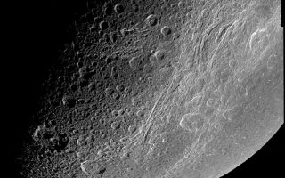 "<h1>PIA06163:  Highest Resolution View of Dione</h1><div class=""PIA06163"" lang=""en"" style=""width:800px;text-align:left;margin:auto;background-color:#000;padding:10px;max-height:150px;overflow:auto;""><p>This very detailed image taken during the Cassini spacecraft's closest approach to Saturn's moon Dione on Dec. 14, 2004 is centered on the wispy terrain of the moon. To the surprise of Cassini imaging scientists, the wispy terrain does not consist of thick ice deposits, but rather the bright ice cliffs created by tectonic fractures. </p><p>The Cassini-Huygens mission is a cooperative project of NASA, the European Space Agency and the Italian Space Agency. The Jet Propulsion Laboratory, a division of the California Institute of Technology in Pasadena, manages the mission for NASA's Science Mission Directorate, Washington, D.C. The Cassini orbiter and its two onboard cameras were designed, developed and assembled at JPL. The imaging team is based at the Space Science Institute, Boulder, Colo.</p><p>For more information, about the Cassini-Huygens mission visit, <a href=""http://saturn.jpl.nasa.gov/"">http://saturn.jpl.nasa.gov</a> and the Cassini imaging team home page, <a href=""http://ciclops.org/"">http://ciclops.org</a>.</p><br /><br /><a href=""http://photojournal.jpl.nasa.gov/catalog/PIA06163"" onclick=""window.open(this.href); return false;"" title=""Voir l'image 	 PIA06163:  Highest Resolution View of Dione	  sur le site de la NASA"">Voir l'image 	 PIA06163:  Highest Resolution View of Dione	  sur le site de la NASA.</a></div>"