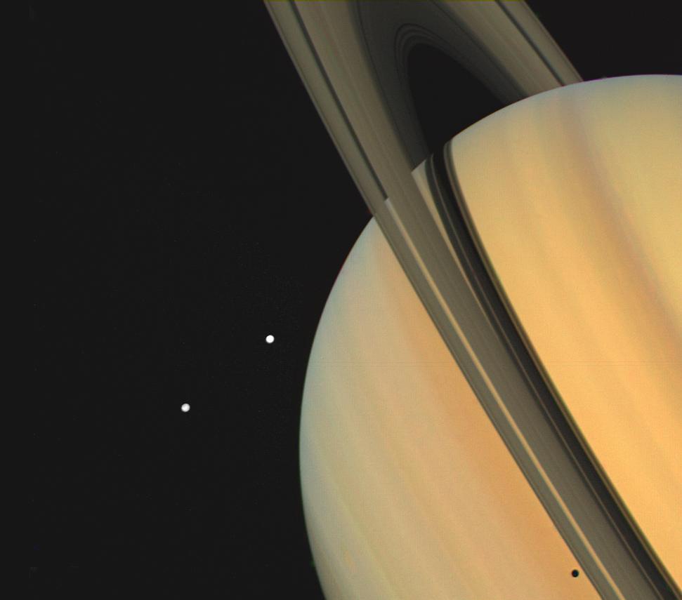 photos des satellites de saturne  u2605 plan u00e8te astronomie